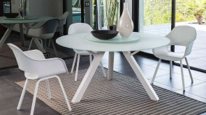 chaise circle living circle table
