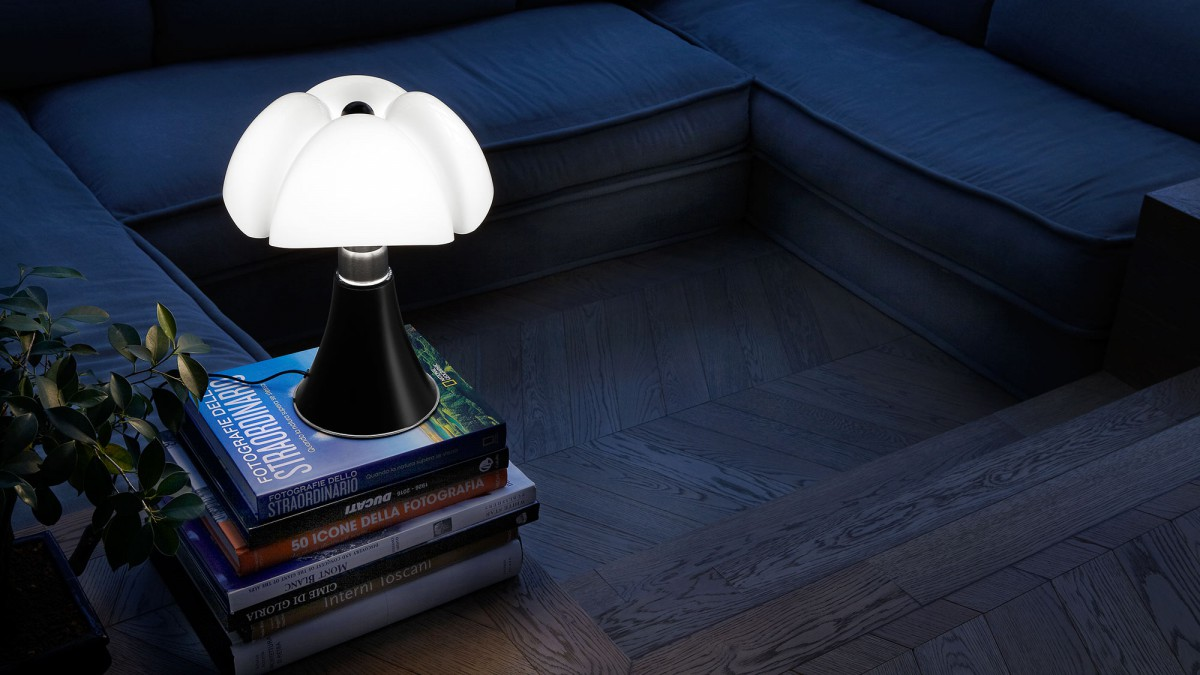 Table Lamp gae aulenti minipipistrello lamp